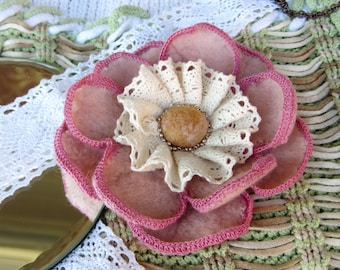 Brooch pink flower, Boho-style, gift for her, felted flower brooch, felted flower