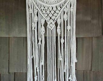 Macrame hoop hanging