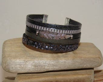 """Grey feather"" Cuff Bracelet leather, glitter, gray"