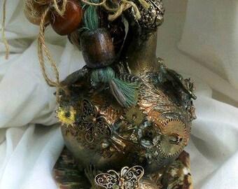 Decorated calabash