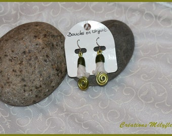 Green and white flower Silver earrings