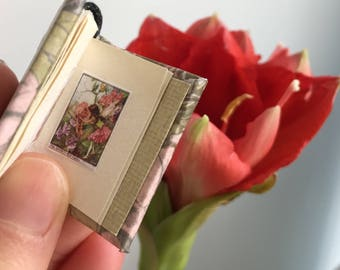 Tiny book of flower fairies