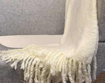 Cream Colour Soft And Stylish Bed Throw