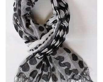 Scarf black and white viscose scarf