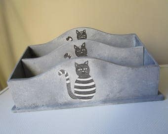 MAIL holder wooden 3 cats