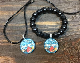 Angry birds party favors.Angry birds bracelet.Angry birds necklace.Angry birds jewelry.Angry birds gift .Angry birds birthday party