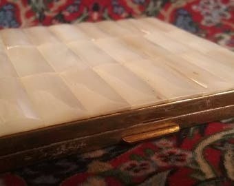 Vintage 1950s Mother of pearl compact by Schildkraut
