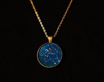 Gemini Zodiac Pendant w 30inch chain