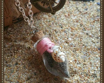 """Necklace sand - Model """"Drop"""" with colored thread and shell"""
