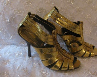 BCBG Maxazria Gold Lame Heels, size 8 1/2