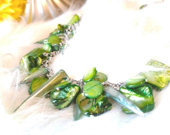 Green Shell. Necklace