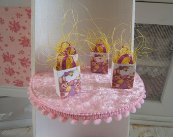 Miniature Dollhouse Easter eggs and bunnies SHOPPING bag