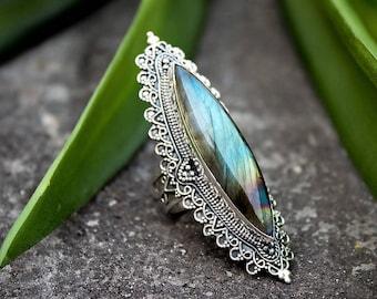 Labradorite Ring, Marquise Shape Labradorite Ring Sterling Silver, Statement Ring, Gypsy Ring, Boho Ring, Labradorite Jewelry