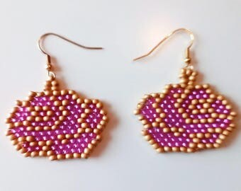 Pink and gold beads flower shape earrings handwoven seed