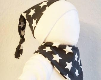 Set of cap and scarf