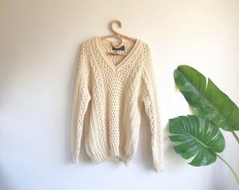 Vintage Men's V Neck Beige Large Irish Wool Sweater Size 44 Fisherman's Sweater