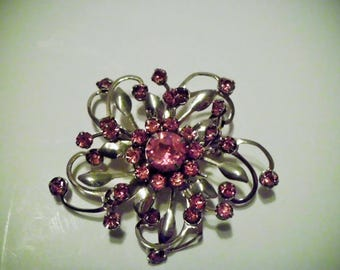 Flower Burst Gold Tone Brooch With Pink Rhinestones