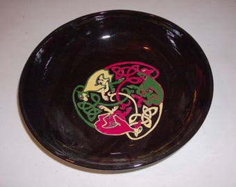 Handmade pottery bowl with Celtic Knotwork Dogs
