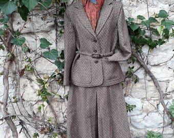 Vintage 1950's women's tweed suit