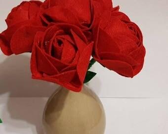 Bouquet of pink felt to offer