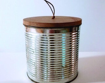 Ujui box with lid
