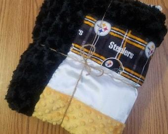 Steelers baby blanket. Strip minky blanket. Strip blanket. Strip baby blanket. Luxe cuddle minky blanket. Luxe cuddle. Luxe cuddle minky.