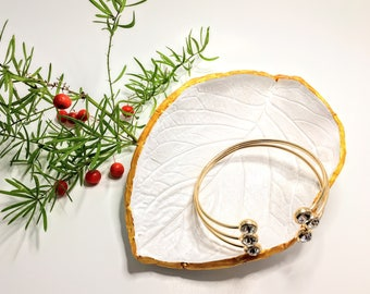 Jewelry Dish Gift for her, White Golden Jewelry Dish, Leaf Design on Dish, Dish for Bracelet, Gorgeous Jewelry Dish, Gift for Girlfriend