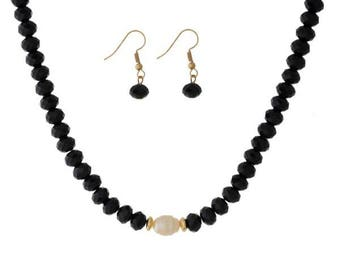 Beaded Chocker Pearl Necklace