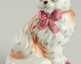 C3.)   Curio Cabinet Cat by FRANKLIN MINT