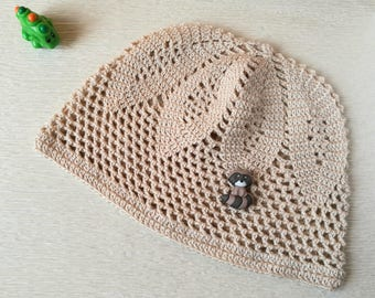 Sun beanie, cotton beach hat. Beige summer beanie with racoon
