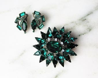 Vintage Green Glass Rhinestone Brooch & Clip Earrings Set