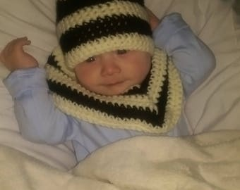 Hand-made kids hat and round scarf set