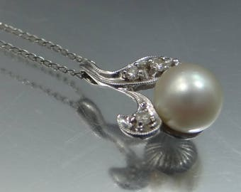 14k White Gold Cultured Pearl and Diamonds Necklace