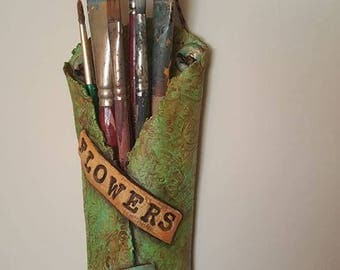 Paper Clay Flower Pocket weathered look