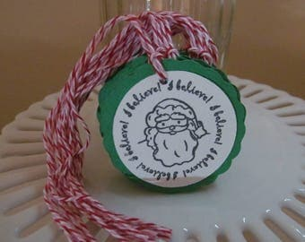 "Santa ""I believe"" tags - deep green - set of 10 - perfect for gift tags, holiday parties, classroom treats, etc.!"