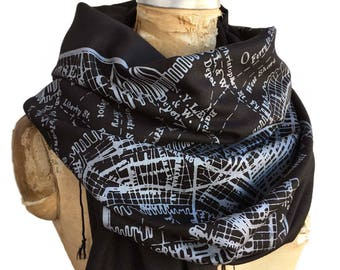 New York City Map Scarf, Subway map print fringed scarf. Linen weave pashmina. Vintage NYC map. Manhattan, Brooklyn, wall street gift.