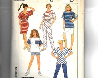 Simplicity Misses' Knit Pants, Shorts, Skirt and Tops Pattern 9024