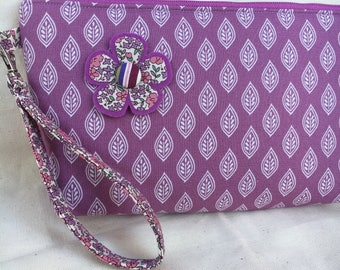 Lilac Leaf Wristlet Purse with Felt-Backed Flower