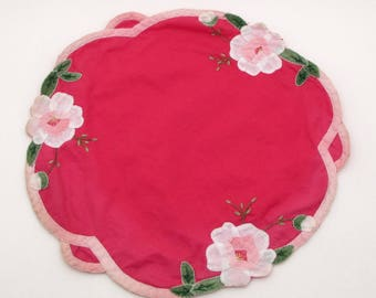 Vintage Embroidered Doily - Flower Applique - Fabric Doily - Hot Pink - Flowers - Table Decor - Vintage Linens