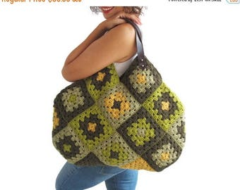 20% WINTER SALE Chunky Granny Sguare Afghan Handbag With Leader Handles