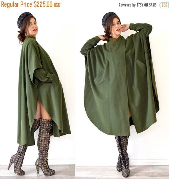 SUMMER SALE / 20% off Vintage 70s 80s Military Green Cool Sleeved Wool Cape