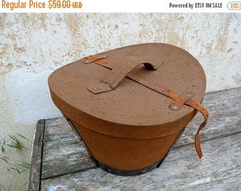 ON SALE Vintage Antique 1900s French canvas & leather top hat box / timeworn