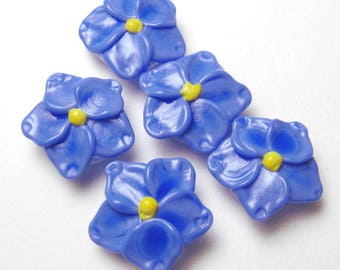 Forget Me Not Beads, handmade artisan lampwork glass in periwinkle blue