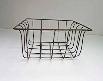 Vintage  Wire Ware Catchall, Table Top, Egg, Fruits & Veggies Square  Basket,  Wire Basket, Small Storage Basket, 1980 Vintage Wireware
