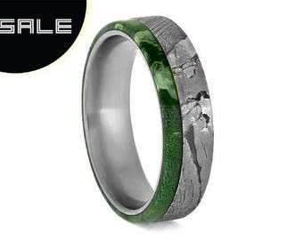 SALE - Seymchan Meteorite Ring, Wedding Band With Green Box Elder Wood, Mens Titanium Ring With Wood