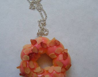 Donut Strawberry and almond pendant ♥ tapered ♥
