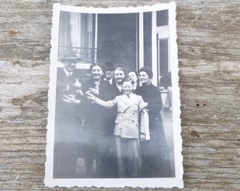Vintage 1930/30s old French black and white snapshot photography boy wearing armband / family