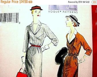 on SALE 25% Off Retro Vogue 1950s Dress Pattern, Misses size 6 8 10 12 14 UNCUT, Vogue Model Pattern, Dress with belt, detachable collar