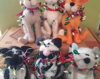 Christmas Kittycat Felted Wool Ornament - NEW for 2017