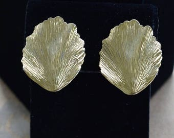 "On sale Pretty Vintage Gold tone Leaf Clip Earrings, ""Trifari""  (AK3)"